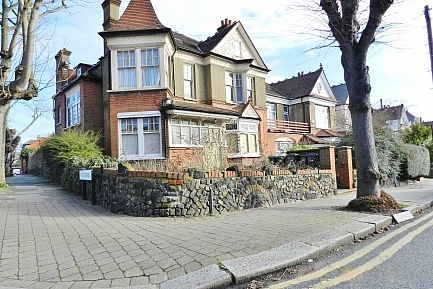 Havilands : Compton House